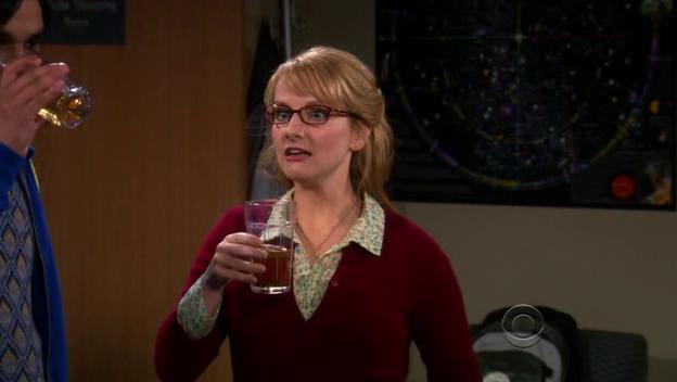 Bernadette Seorang Microbiologist Cerdas dan Mungil di The Big Bang Theory